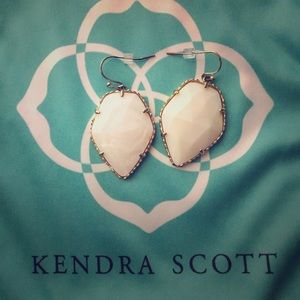 Kendra Scott Earrings!